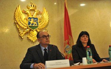 Luiđ Škrelja, Administrativni odbor