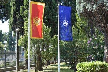 Podizanje NATO zastave