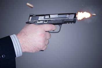 Pištolj, pucnjava
