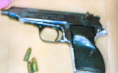 """pištolj """"Valter"""" pronađen tokom pretresa"""