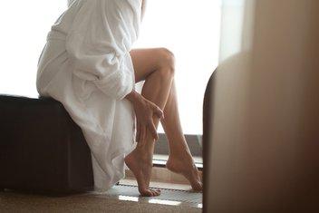 noge, žena