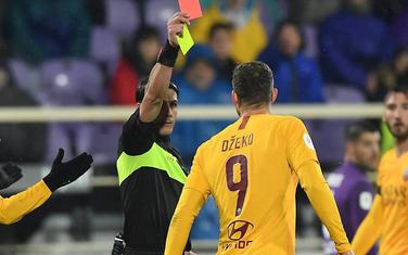 Džeko dobija crveni karton
