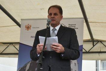 Romi stanovi, Slavoljub Stijepović
