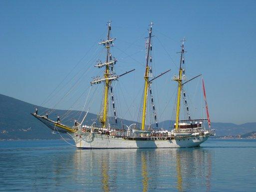 Školski brod Jadran