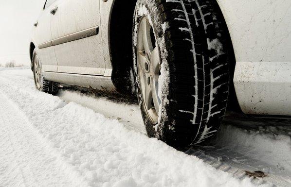auto, vožnja, snijeg