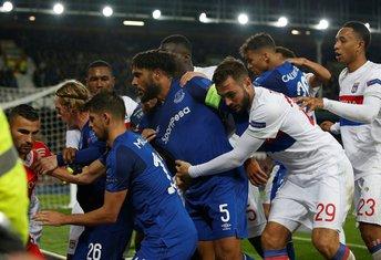 Everton Lion