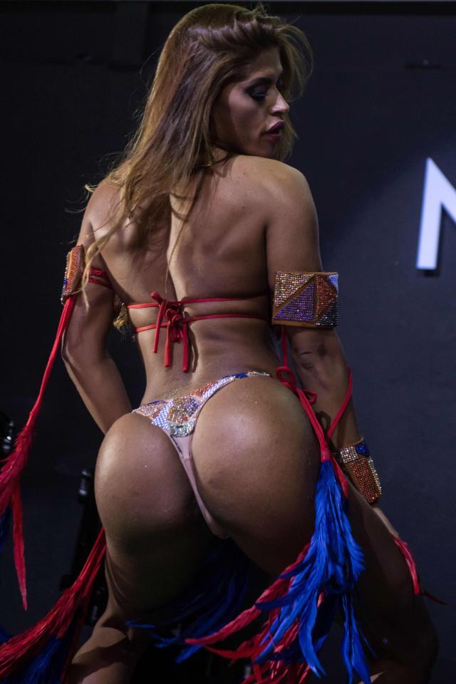 Rozi Oliveira (Novine)