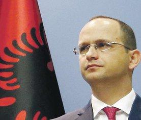 Ditmir Bušati (Novine)