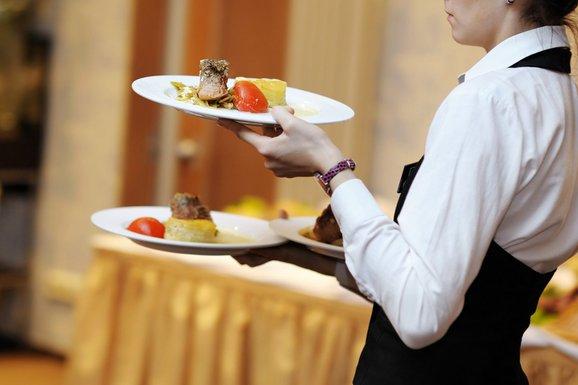 konobar, konobarica, restoran