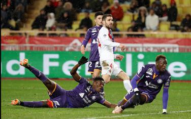 Sesk Fabregas postiže drugi gol za Monako