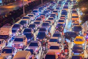 automobili gužva saobraćaj