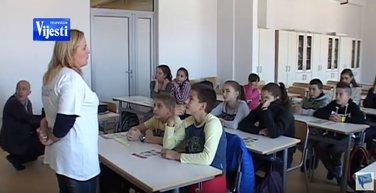 Učenici OŠ Risto Manojlović