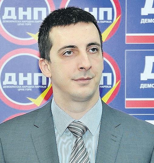 Aleksandar Sekulić (Novine)