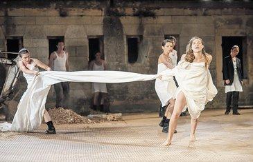 Antigona, predstava