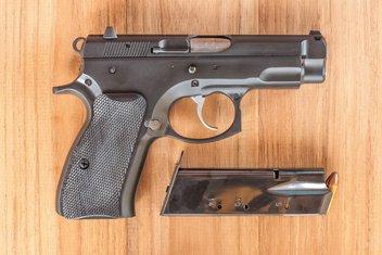CZ pištolj