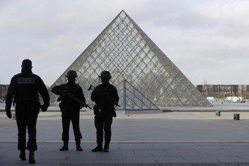 Pariz napad policija