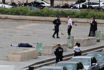 Policija, Pariz, Notr dam