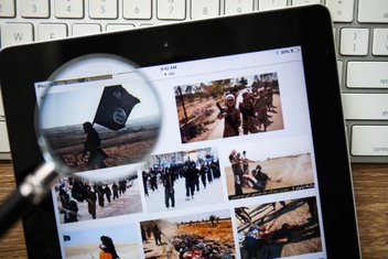 ISIS online