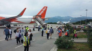 tivatski aerodrom turisti