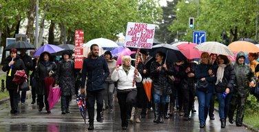 Majke, protest