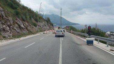 Zavala, saobraćaj