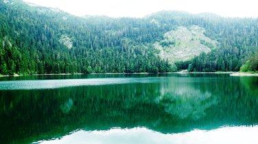 Crno jezero, Jasnina putovanja