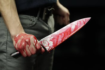 Nož, krv