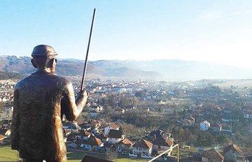 Đorđije Tomović, spomenik
