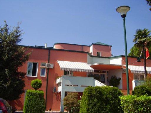Dom Mladost Bijela