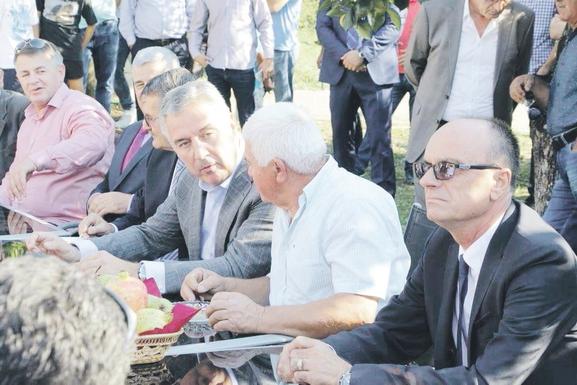 Milo Đukanović, Luiđ Škrelja
