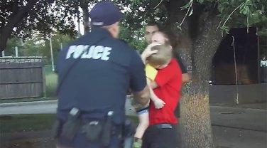 Policajac, spasavanje dječaka