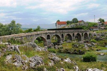 Crvena stijena, most na Moštanici