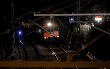 Voz dolazi da evakuiše ljude nakon nesreće