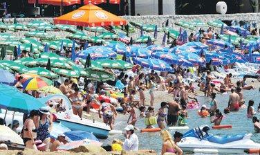 Sutomore sezona, Plaža