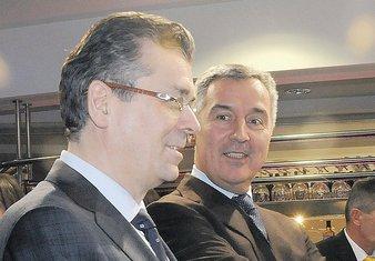 Branimir Gvozdenović, Milo Đukanović