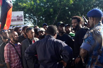 Papua Nova Gvineja, protest