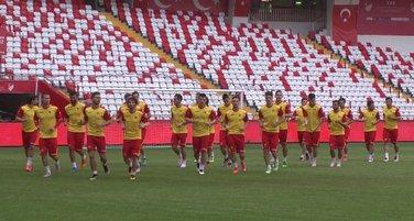 Fudbalska reprezentacija, Antalija