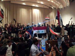 Irak, parlament, demonstranti