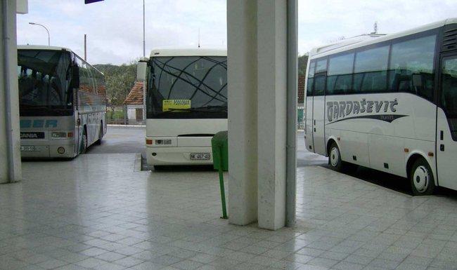 autobus, autobuska stanica Nikšić