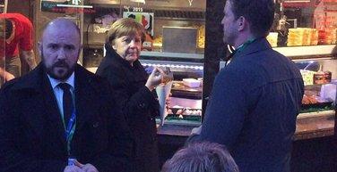 Angela Merkel jede pomfrit