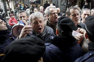 Atina protest