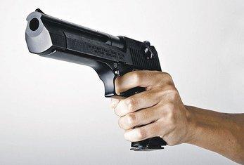 pištolj ilustracija novina