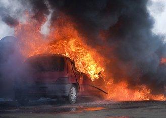 zapaljeni automobil
