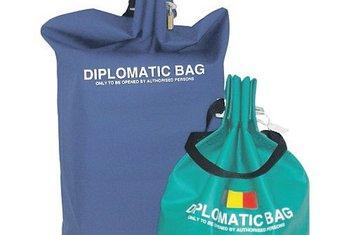 diplomatska torba (novina)