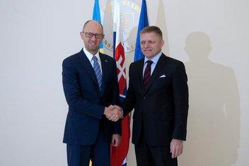 Arsenij Jacenjuk, Robert Fico