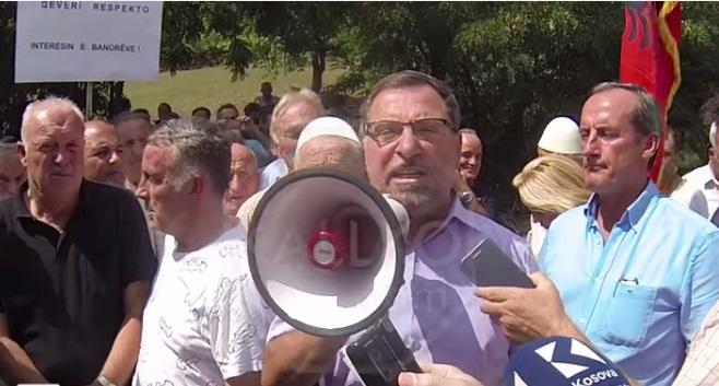 Ali Ljajči, Peć protest granica