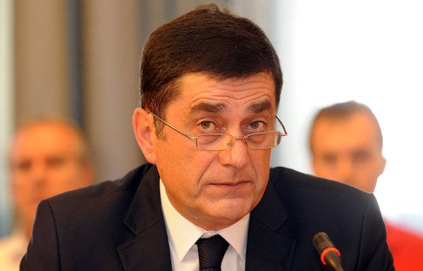 Dejan Peruničić