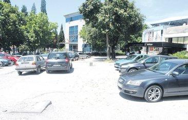 Parking, Jugopetrol pumpa