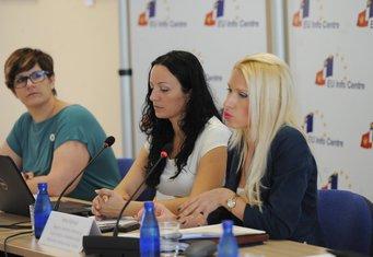 Ivana Vojinović, Nataša Kovačević, Petra Remeta