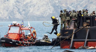 Južna Koreja, trajekt, spasioci